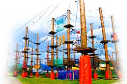 Górno Atrakcja park linowy Park Rozrywki i Miniatur SabatKrajno